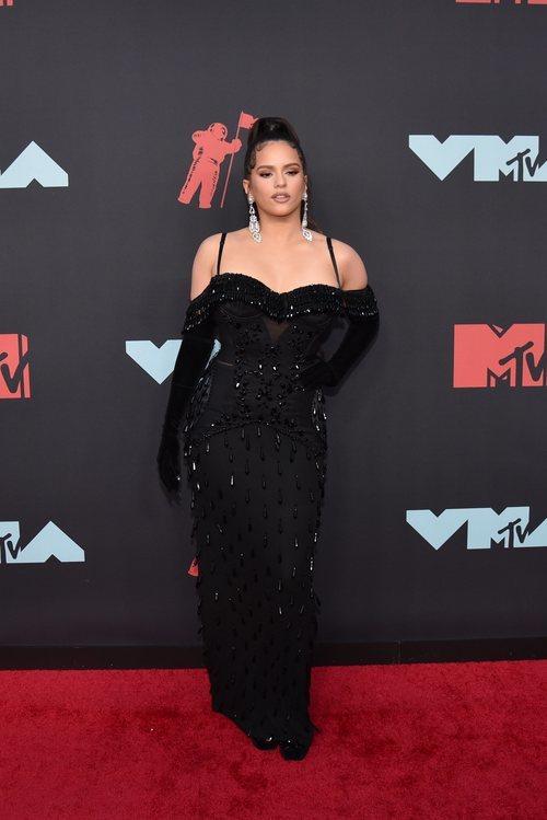 Rosalía de Burberry en la entrega de Premios MTV VMAS 2019