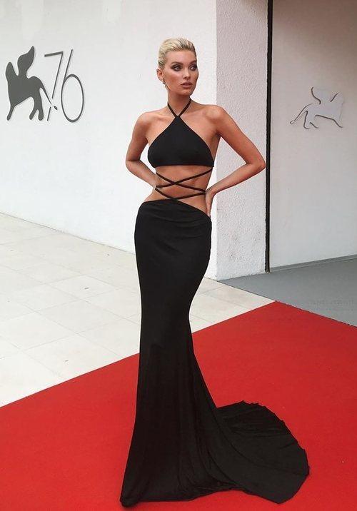 Elsa Hosk con un vestido de Etro en la premiere de 'Truth' en el Festival de Venecia 2019