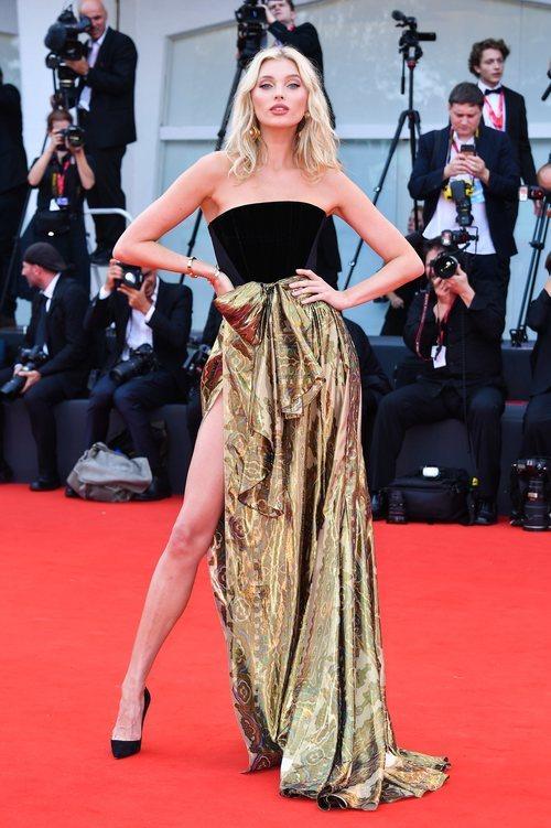 Elsa Hosk vestida de Etro en la premiere de 'Marriage Story' en el Festival de Venecia 2019