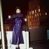 Vestido morado de la colección otoño/invierno 2019/2020 de Dolores Promesas