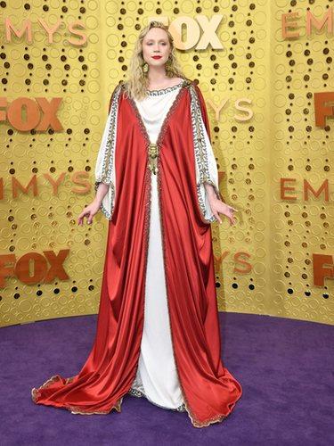 Gwendoline Christie con un vestido de Gucci en los Emmy 2019