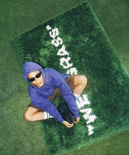 Alfombra cesped 'wet grass' de la colección 'Markerad' de Ikea y Virgil Abloh