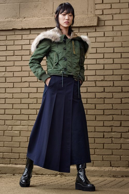 Parka y falda azul marino de 'ZARA SRPLS' otoño 2019