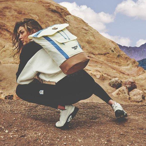 Mochila de la segunda colección de 'Gigi Hadid X Reebok' otoño 2019
