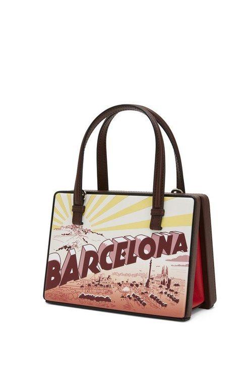 Bolso Barcelona de la colección Loewe Postal 2019