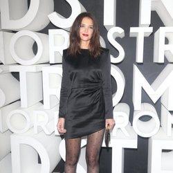 Katie Holmes con vestido de Saint Laurent durante la gala del Teatro MaMa 2019
