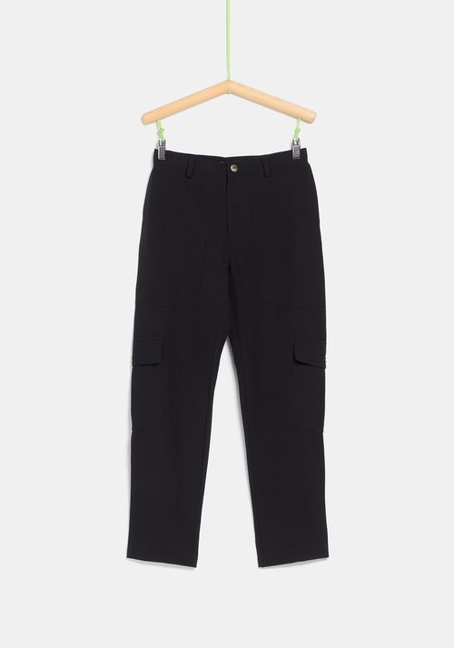 Pantalón negro de tiro alto  de la colección de Rocío Osorno y TEX de otoño/invierno 2019
