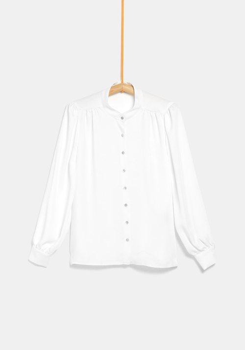 Blusa blanca de la colección de Rocío Osorno y TEX de otoño/invierno 2019