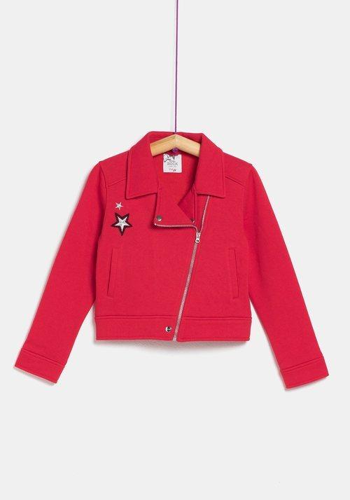 Abrigo de pelo rojo para mujer de la colección 'I-O' de Carrefour y TEX para otoño/invierno 2019
