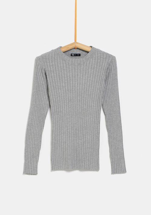 Jersey gris ceñido de la colección 'I-O' de Carrefour y TEX para otoño/invierno 2019