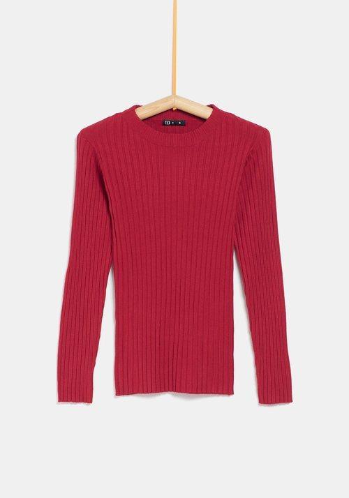 Jersey rojo ceñido de la colección 'I-O' de Carrefour y TEX para otoño/invierno 2019