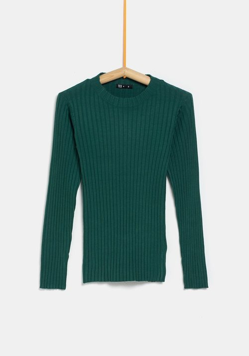 Jersey verde ceñido de la colección 'I-O' de Carrefour y TEX para otoño/invierno 2019