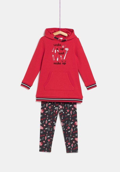 Pijama rojo de la colección 'I-O' de Carrefour y TEX para otoño/invierno 2019