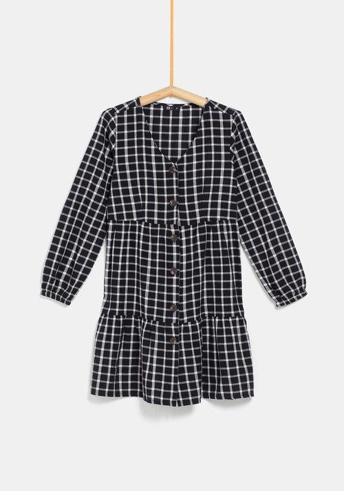 Vestido de cuadros negros de la colección 'I-O' de Carrefour y TEX para otoño/invierno 2019