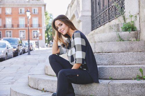 Rocío Osorno con blusa de cuadros de la colección 'I-O' de Carrefour y Tex para otoño/invierno 2019