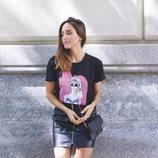 Rocío Osorno con camiseta de corazón de la colección 'I-O' de Carrefour y Tex para otoño/invierno 2019