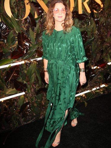 Drew Barrymore en la cuarta gala anual de 'WWD' en Nueva York