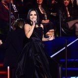 Becky G con un vestido largo negro en los MTV EMAs 2019