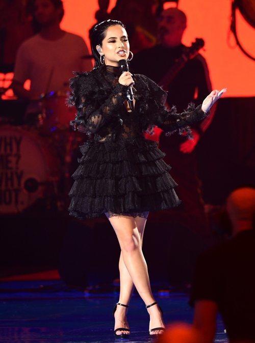 Becky G con un vestido de encaje en los MTV EMAs 2019