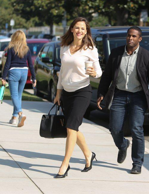 Jennifer Garner con falda lápiz en Los Ángeles