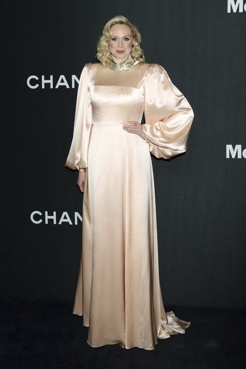 Gwendoline Christie con vestido rosa palo en la gala MOMA Film 2019