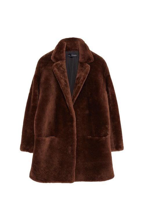 Abrigo de pelo marrón oscuro de la colección Sfera otoño/invierno 2019-2020 Especial Navidad