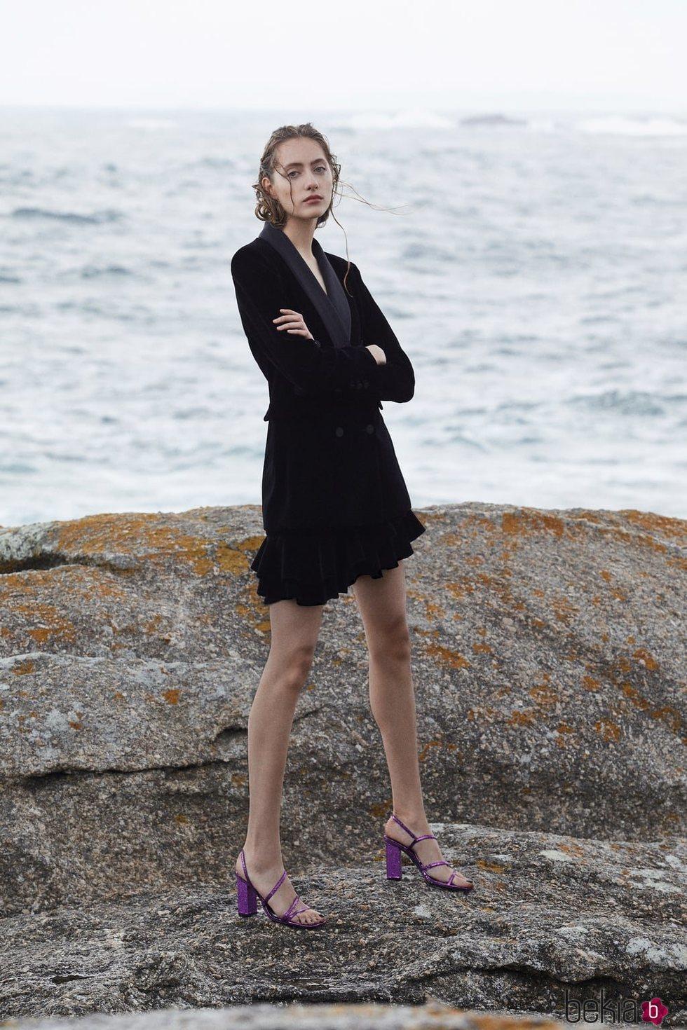 Sandalias moradas de la 'Blue Collection' de Zara