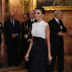 Letizia Ortiz con falda 'efecto corsé' en la Conferencia de Naciones Unidas sobre el Cambio Climático 2019