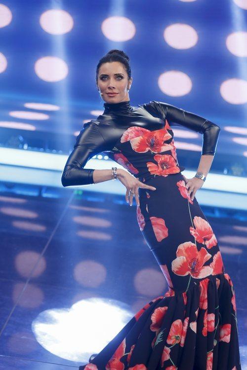 Pilar Rubio con un diseño de Rosa Pedroche imitando a Kendall Jenner como Richard Quinn en los Emmy 2019