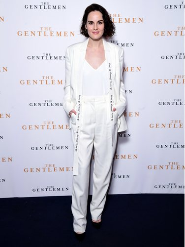 Michelle Dockery con total look blanco en la premiere de 'The Gentlemen'