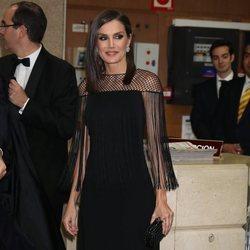 La Reina Letizia con un vestido negro con detalle de malla en los Premios ABC 2019
