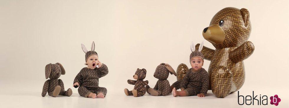 Pijama estampado de la colección infantil primavera 2020 de Fendi