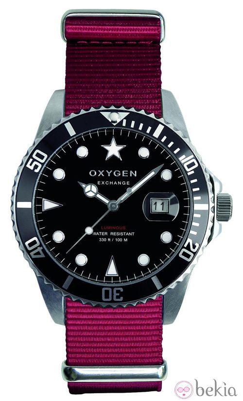 Reloj de esfera negra de la firma Oxygen Exchangue