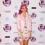 Katy Perry con un look 'Pink lady'