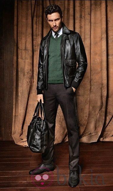 Modelo de bolso masculino de H.E by Mango