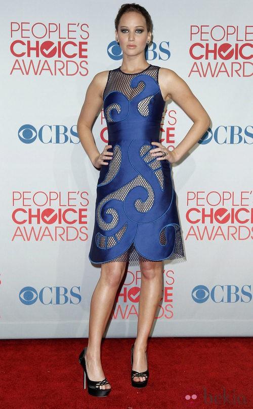 El look en color azul cobalto de Jennifer Lawrence en los People's Choice Awards 2012