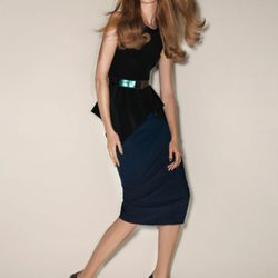 Frida Gustavsson posa con las propuestas de Sportmax para primavera/verano 2012