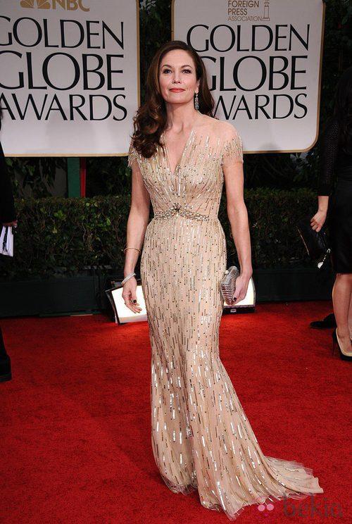 Diane Lane con un vestido dorado en los Globos de Oro 2012