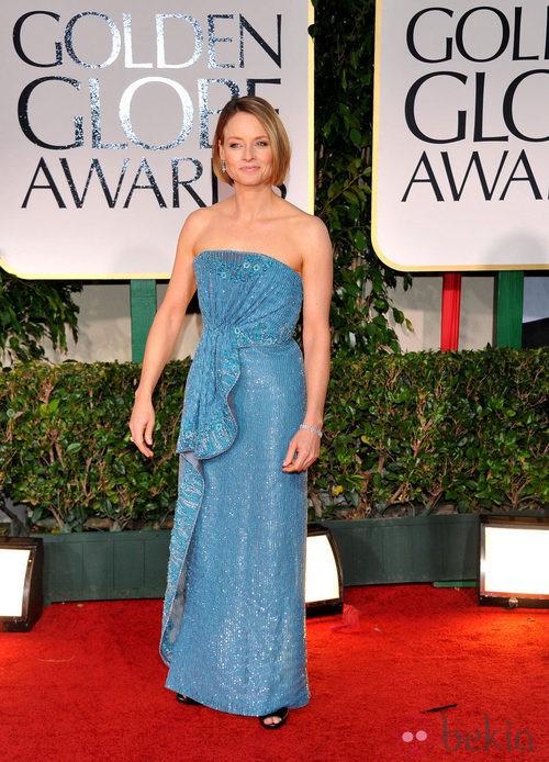 Jodie Foster con vestido en azul en la alfombra roja de los Globos de Oro 2012