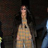 Kesha con dos piezas a cuadros en Nueva York