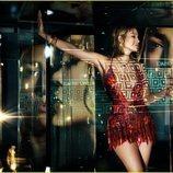 Jennifer Lopez deslumbra con un vestido rojo selvático de la colección primavera/verano 2020 de Versace