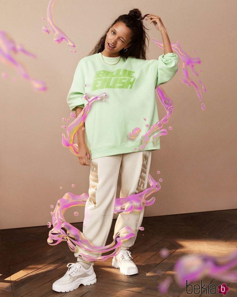 Sudadera verde neón de la colección de Billie Eilish para H&M