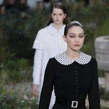 Vestido de tweed negro de la colección primavera/ verano 2020 de Alta Costura de Chanel