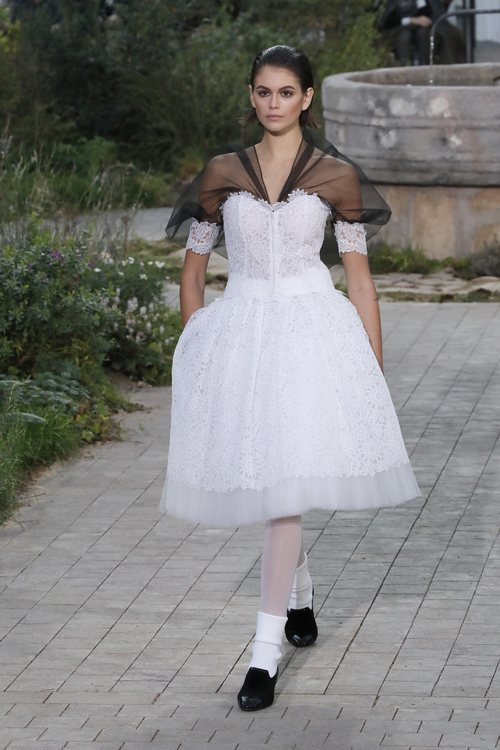 Vestido confeccionado en tul de la colección primavera/ verano 2020 de Alta Costura de Chanel