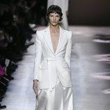 Falda y blazer del desfile de Alta Costura 2020 de Givenchy