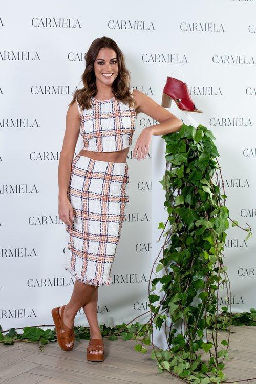 Lara Álvarez se convierte en la imagen de Carmela para la colección pimavera- verano 2020