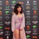 Nadia de Santiago con un body estilo corsé y transparencias en la alfombra roja de los Goya 2020