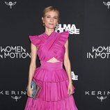 Diane Kruger con un desafortunado outfit rosa