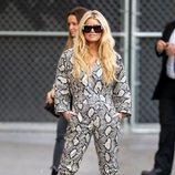Jessica Simpson apuesta por un total look de animal print