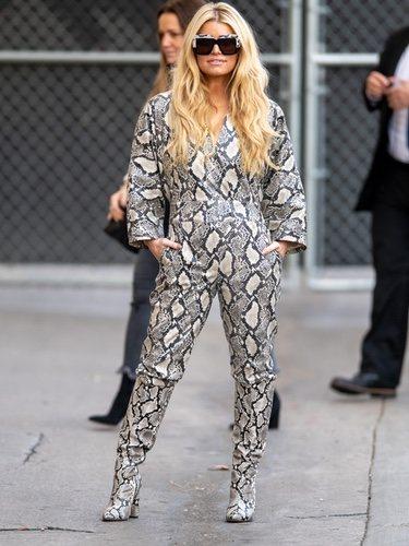 Jessica Simpson apuesta por un total look de animal print